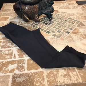 Lululemon pre-owned Size 2